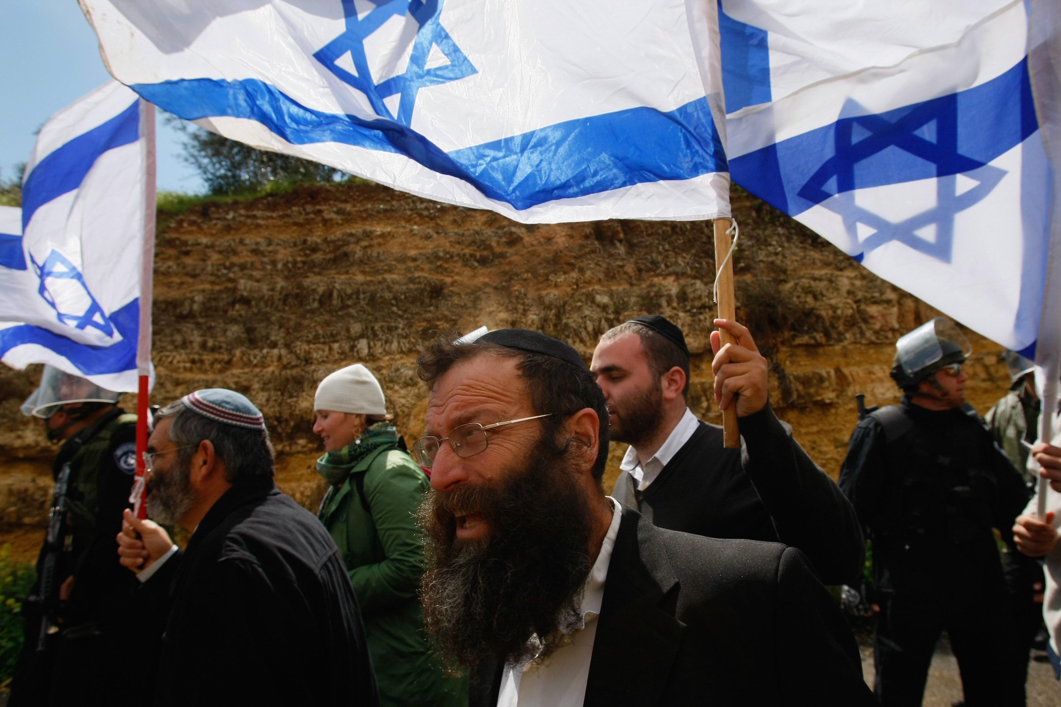 Israeli Shells Pound Gaza As Fighting Resumes