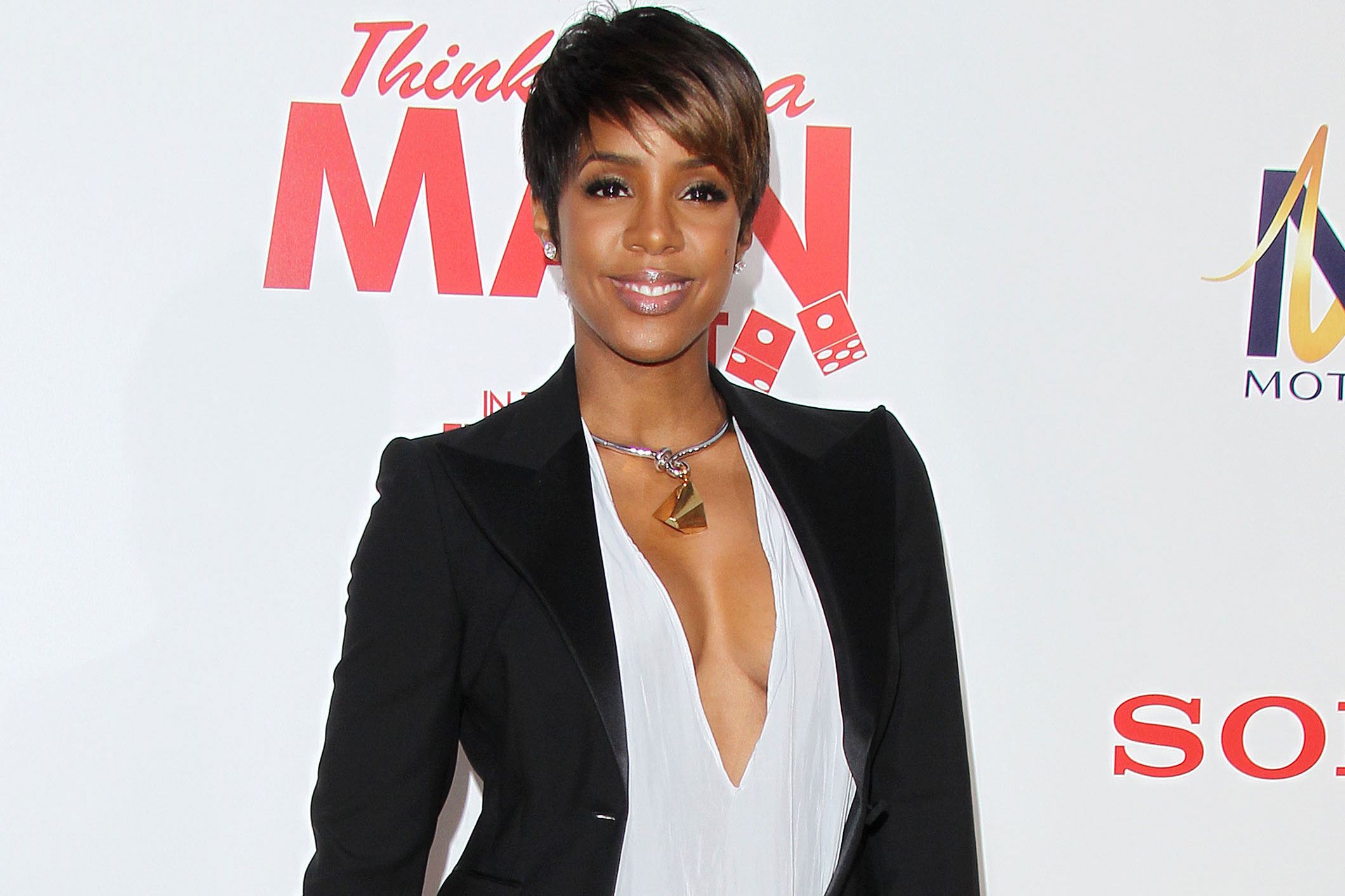 Kelly Rowland Accidentally Confirms Gender of Baby