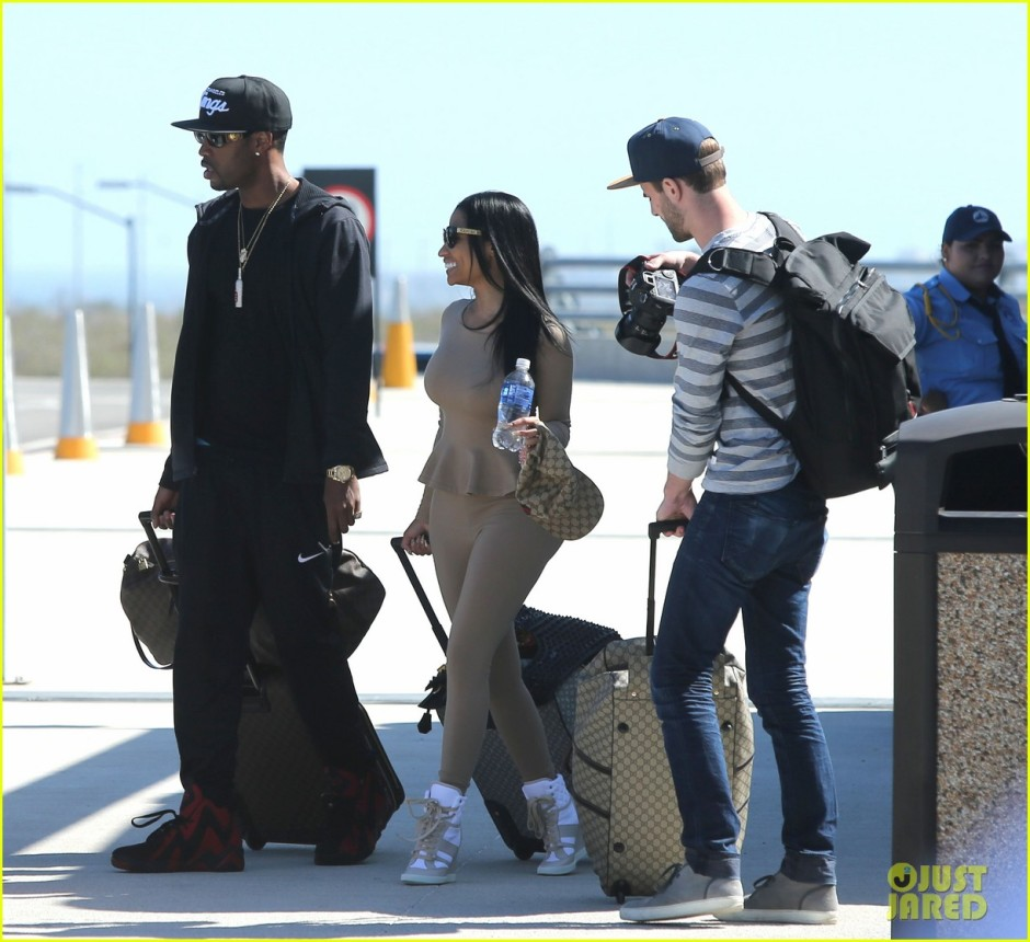 Exclusive... Nicki Minaj Vacations With Her Boyfriend In Cabo