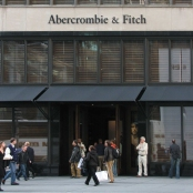Abercrombie_&_Fitch_store_in_New_York_City