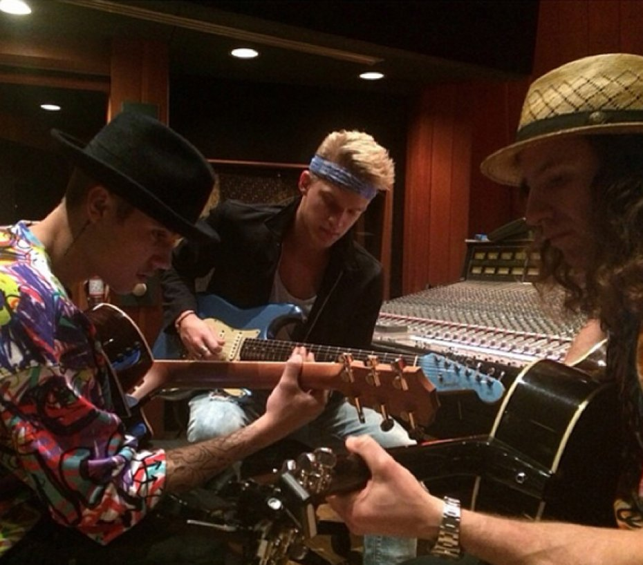 justin-bieber-cody-simpson-work-on-upcoming-collaborative-album